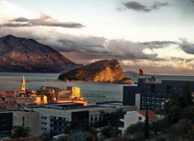 Budva - pogled na ostrvo Sv. Nikola