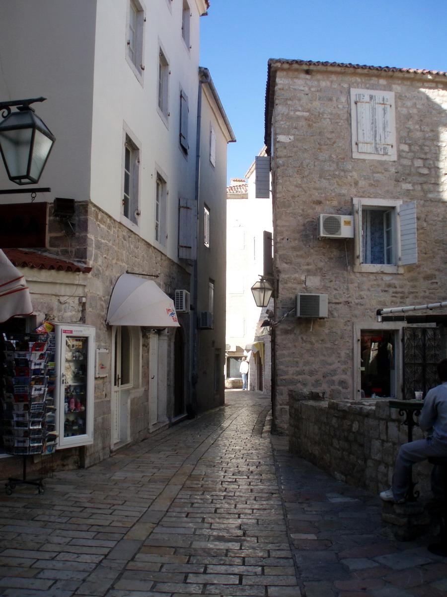Budva - ulica u starom gradu